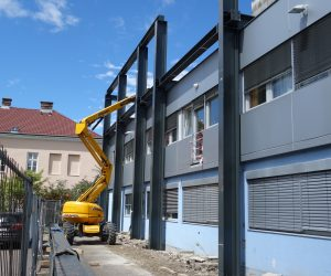 Aufbau der Stahlkonstruktion